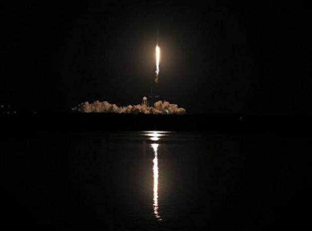 NASA en SpaceX lanceren vier astronauten naar ISS