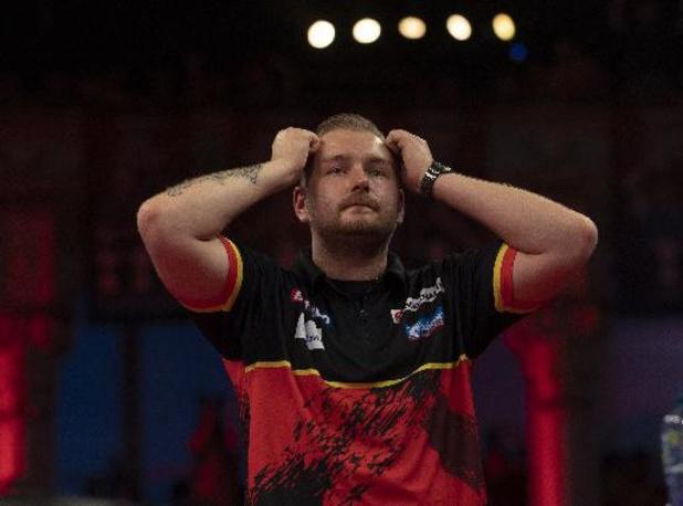 Engelse Fallon Sherrock houdt Dimitri Van den Bergh uit finale Nordic Darts Masters