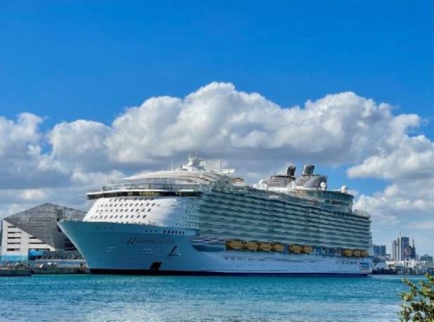 Florida trekt naar de rechtbank om de herneming van cruises te eisen