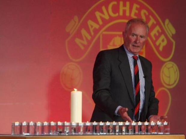 Manchester United rouwt om Harry Gregg, overlever van de vliegramp in München