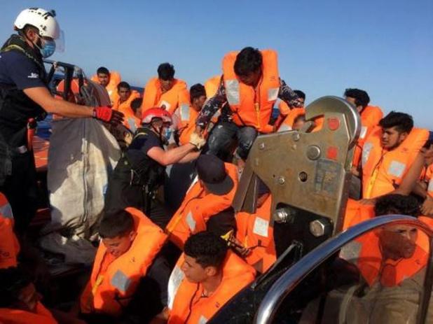 Avec 118 migrants à bord, l'Ocean Viking attend un port de débarquement