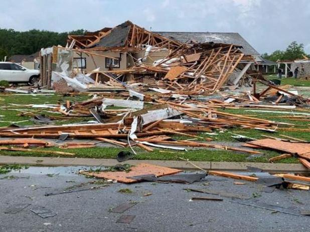 Minstens elf doden door tornado's in Mississippi