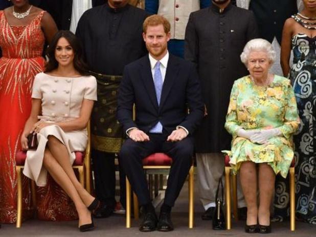 Britse Queen bedroefd en bezorgd over beschuldigingen van racisme in Buckingham Palace