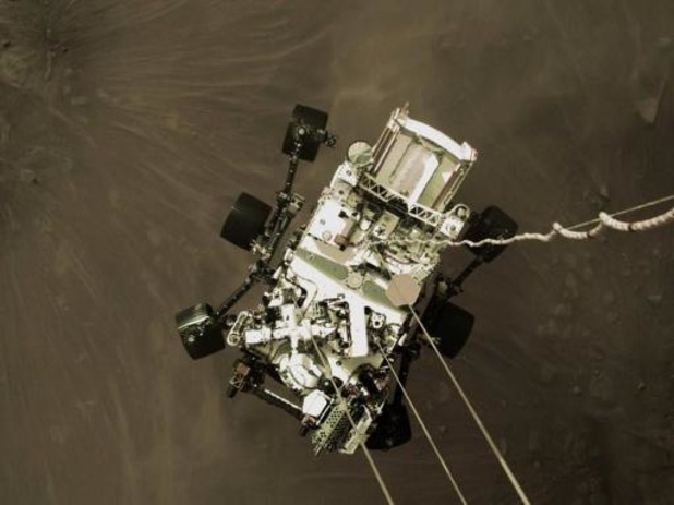 NASA pakt uit met spectaculaire video over afdaling en landing Marsrobot