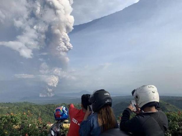 Duizenden mensen geëvacueerd na uitbarsting vulkaan op Filipijnen