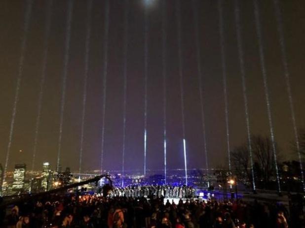 Le ciel de Montréal s'illumine pour les 30 ans d'un féminicide de masse