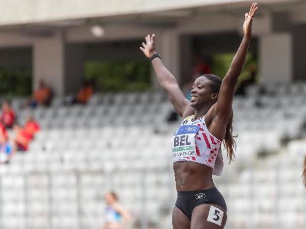 OS 2020 - Anne Zagré gaat met derde tijd in haar reeks door naar de halve finales van de 100m horden