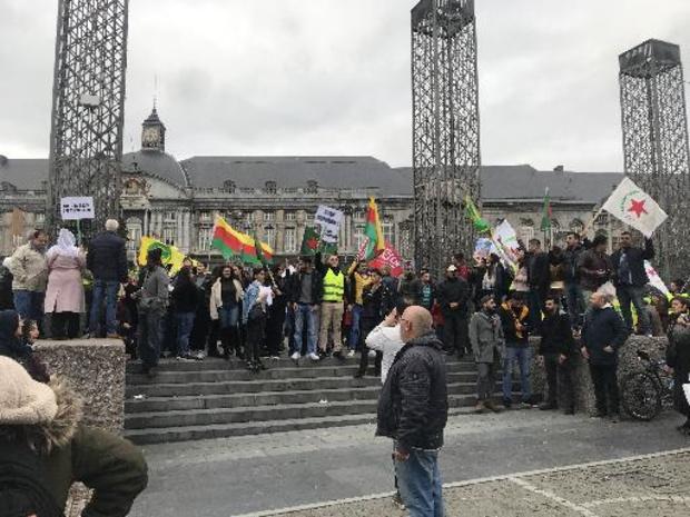 Plusieurs centaines de Kurdes réunis sur la place Saint-Lambert à Liège