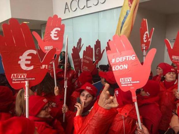 Un millier d'aide-ménagères insatisfaites se font entendre à Bruxelles