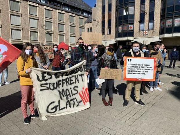 Les étudiants se mobilisent à Louvain-la-Neuve pour réclamer un retour en présentiel