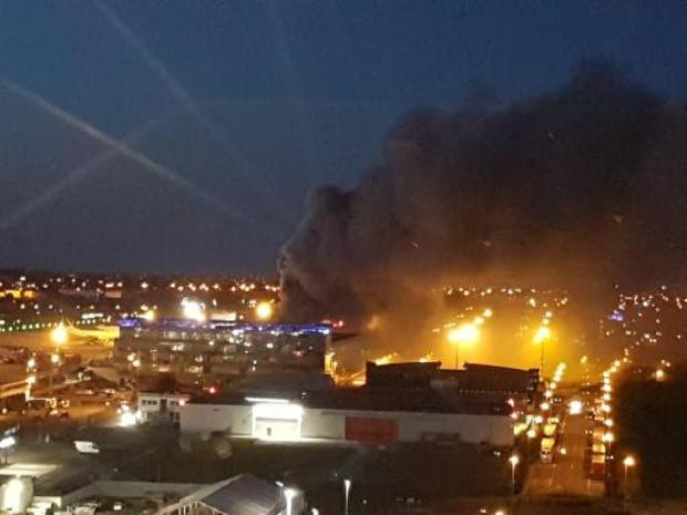 Incendie à Liege Airport - L'incendie sous contrôle ne pose aucun risque pour la population locale (bourgmestre)