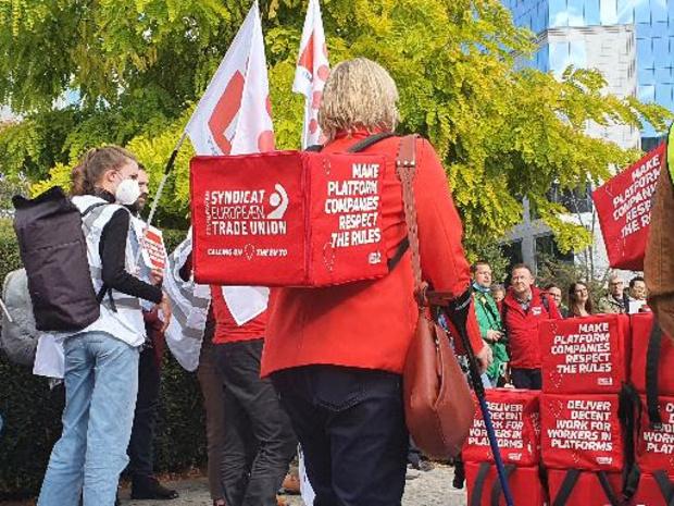 Vakbonden betogen voor meer rechten voor fietskoeriers