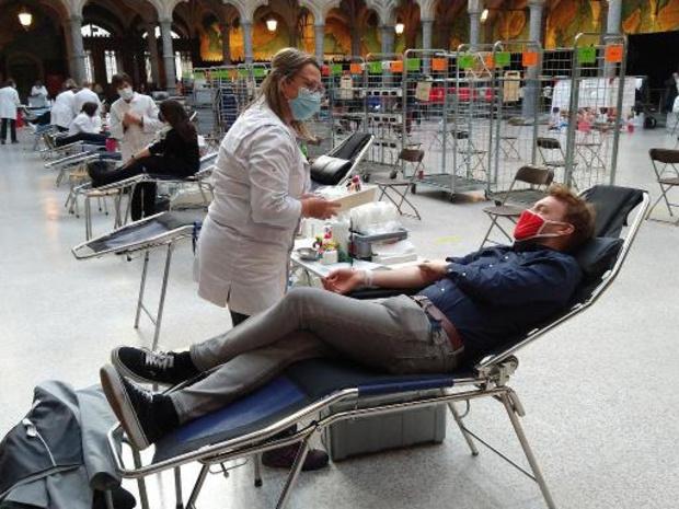 Delhaize en Rode Kruis gaan met campagne op zoek naar 40.000 bloeddonoren