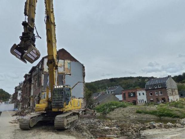 Intempéries: la démolition des maisons touchées par les inondations a débuté à Pepinster