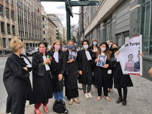 Tiental Belgische advocaten in hongerstaking als steunbetuiging aan Turkse confraters