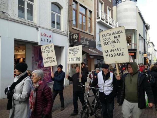 Des centaines de manifestants flamands réclament une politique climatique plus ambitieuse