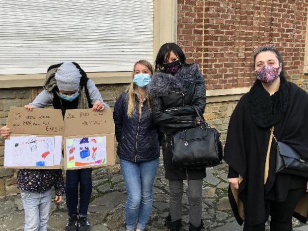 Protest bij bezoek van koning Filip aan gevangenis Hoei