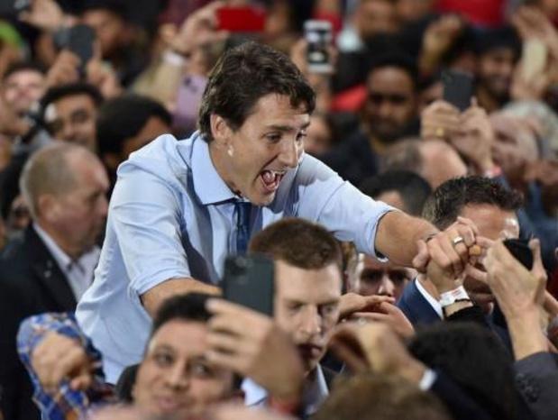 Ouverture des premiers bureaux de vote au Canada