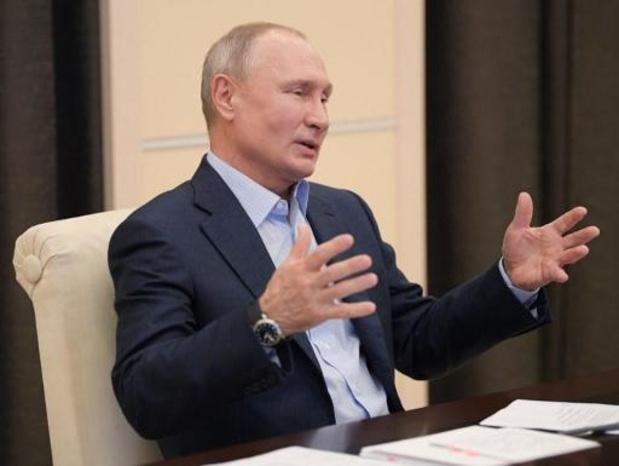 Poetins populariteit zakt tot laagste peil ooit