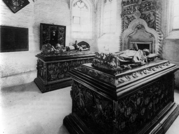 Un caveau funéraire datant probablement du 14e siècle découvert à Bruges