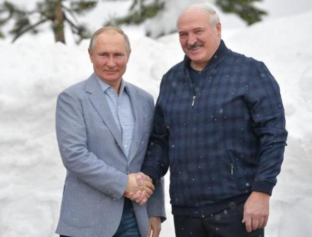 Poutine et Loukachenko se croisent sur les pistes de ski