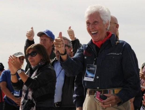 82-jarige vrouw vergezelt Jeff Bezos bij maidenvlucht naar de ruimte