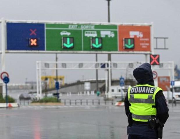 Tien onderkoelde migranten in koelwagen in Calais ontdekt