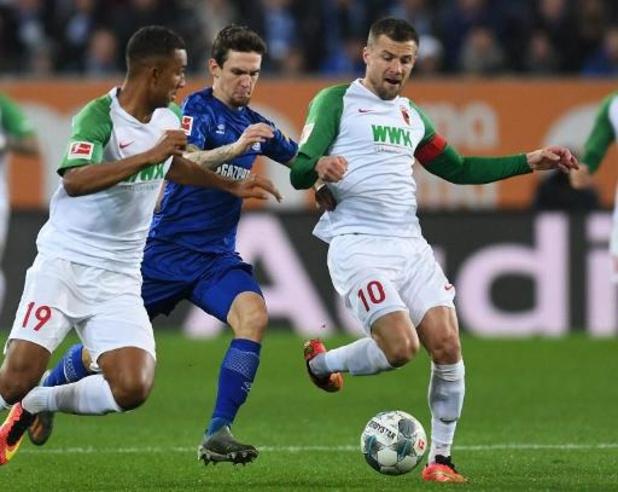 Belgen in het buitenland - Schalke en herboren Raman winnen bij Augsburg