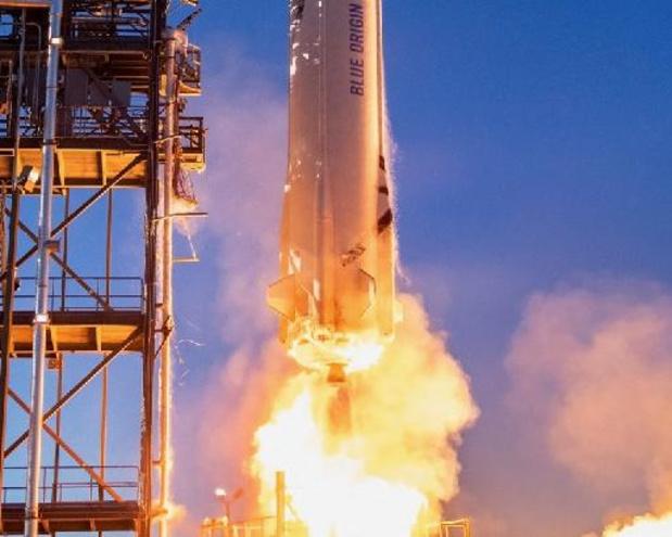 Jeff Bezos vliegt zelf mee bij de maidenvlucht van zijn raket voor ruimtetoerisme