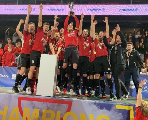 Belfius Indoor Finals - Le White Star champion après son succès aux shoot-outs 2-0 sur l'Amicale Anderlecht