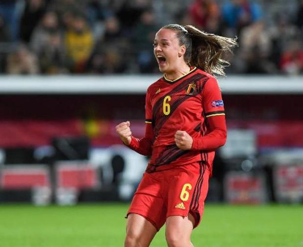 Red Flames - Tine De Caigny schittert met vijf doelpunten tegen Litouwen