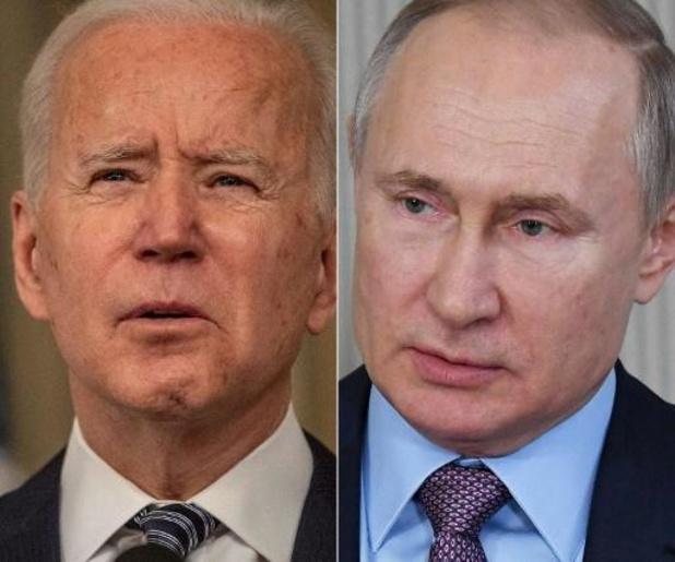 """Biden ne regrette pas d'avoir qualifié Poutine de """"tueur"""""""