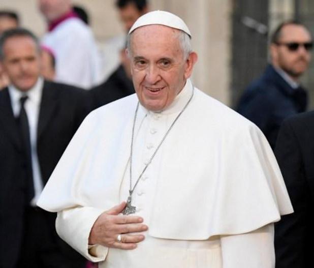 """Paus wil """"zo snel mogelijk"""" naar Libanon"""