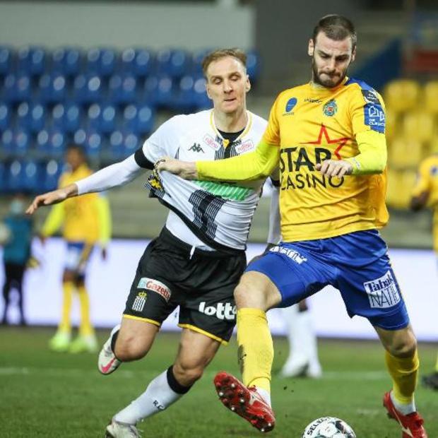 Jupiler Pro League - Waasland-Beveren laat in blessuretijd zege liggen tegen Charleroi