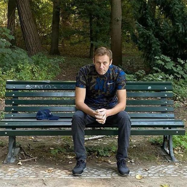 """Le rétablissement de Navalny prendra """"beaucoup de temps"""" en Allemagne"""