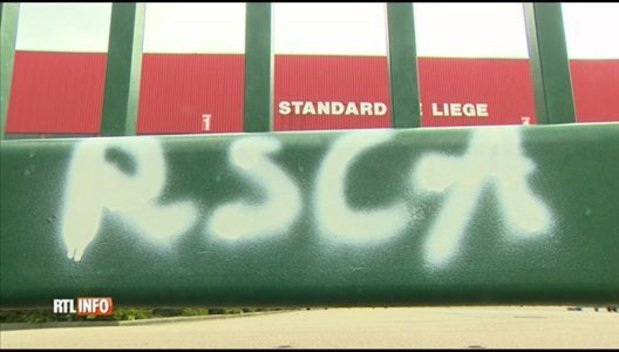 """Le stade du Standard vandalisé par certains """"supporters"""" d'Anderlecht, à deux jours du Clasico (vidéo)"""
