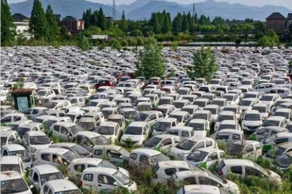 Factcheck: nee, dit is geen Frans kerkhof voor elektrische auto's