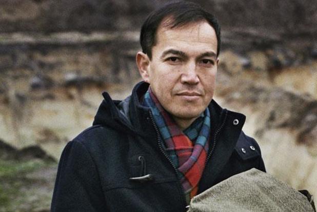 Vluchteling Qadir Nadery brengt zijn ervaringen op het podium: 'Afghanen dromen niet'