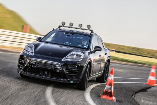 Les premiers protos du Porsche Macan électrique sont sur la route