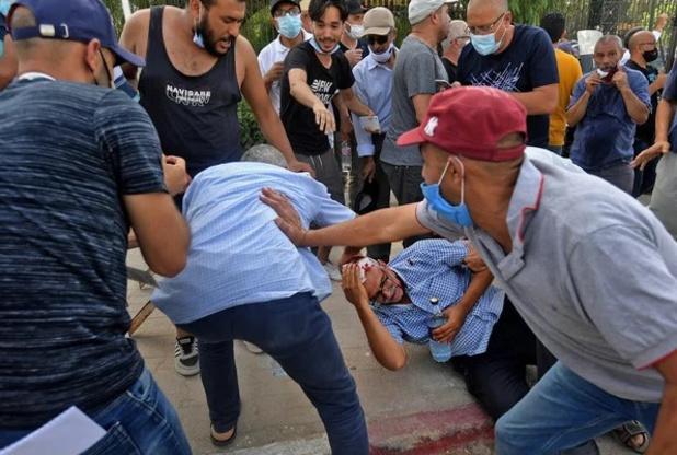 Un homme se tue en s'immolant par le feu en plein Tunis