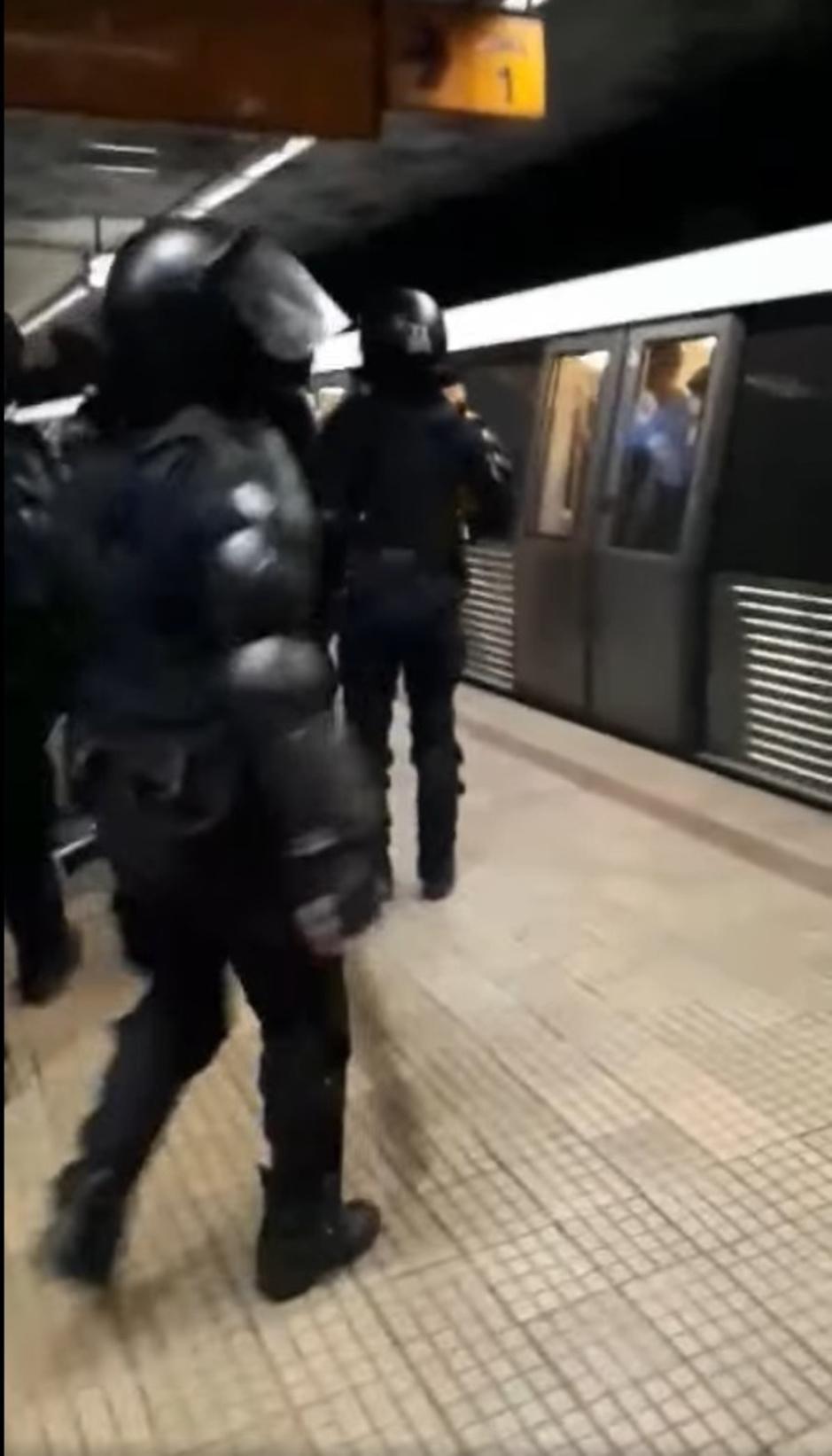 Factcheck: Nee, video toont geen politiegeweld tegen 'spuwende Marokkaanse jongeren'