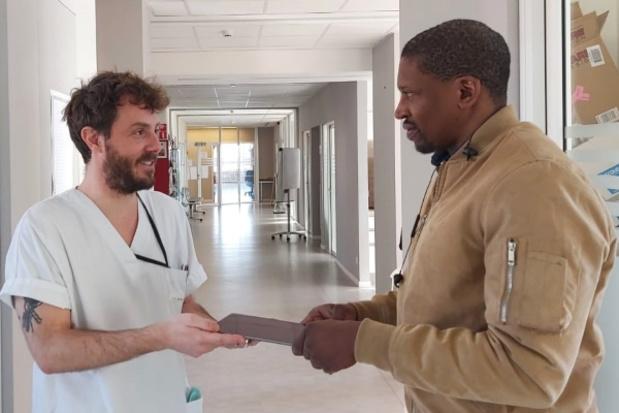 Plate-forme d'urgence IT, matériel imprimé en 3D et tablettes à l'hôpital bruxellois Brugmann