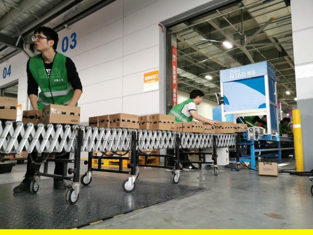 """Dans l'antre d'Alibaba: comment l'e-commerçant chinois gère les soldes monstres du """"Single's Day"""""""