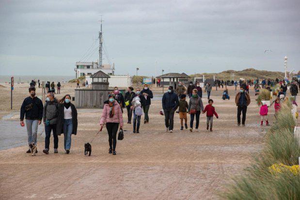 Opnieuw duizenden dagtoeristen met trein naar Oostende