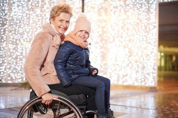 Les ergothérapeutes conçoivent des vêtements à la mode pour les personnes handicapées