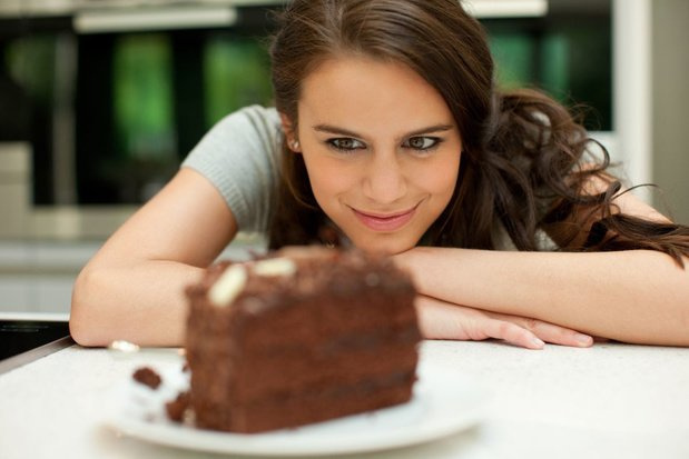 Pourquoi mange-t-on encore une part de dessert alors qu'on n'a plus faim?