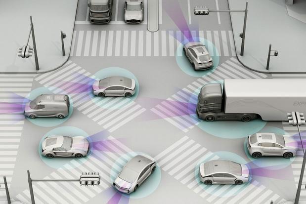 L'avenir de la voiture connectée: G5 vs 5G