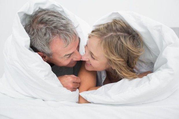 Maintenir une vie sexuelle active même quand on est âgé améliore santé et bien-être