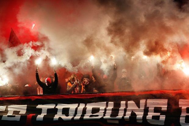 Na incidenten Standard-Anderlecht: meer en beter opgeleide stewards in voetbalstadions