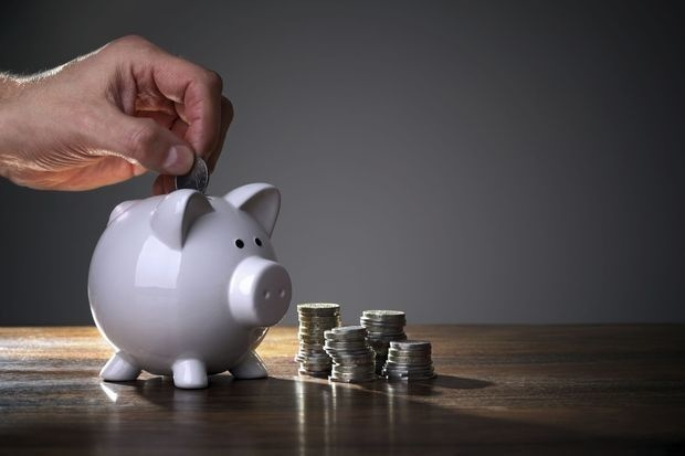 """L'épargne """"forcée"""" des Belges, 23 milliards d'euros qui pourraient alimenter la relance"""
